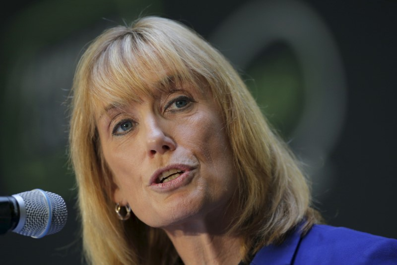 Hassan leads Ayotte with 870 votes, race still too close to call