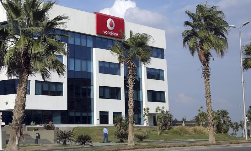 Etisalat Misr, Vodafone Egypt sign 4G license deals in Egypt