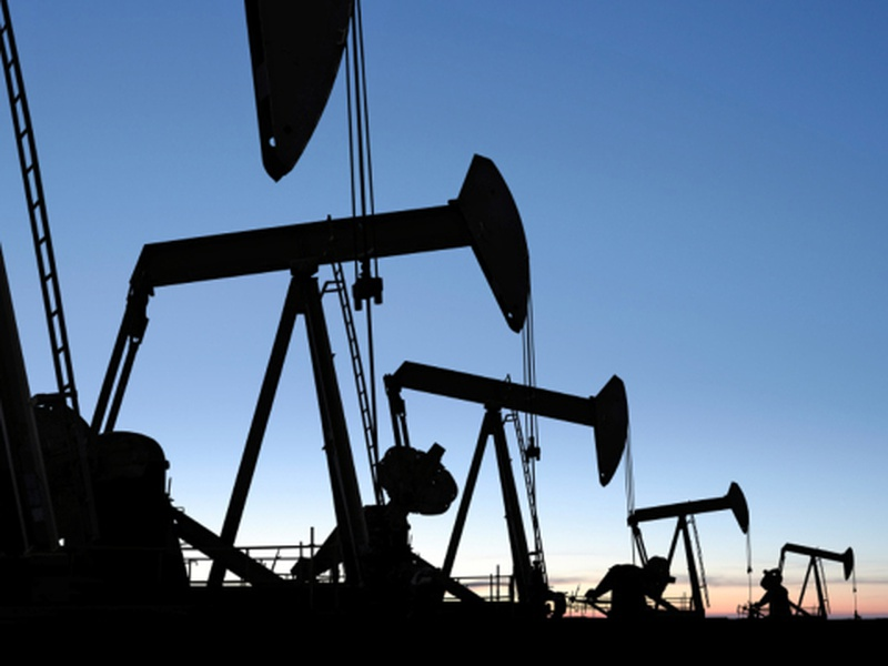 North Dakota oil production drops below 1M barrels daily