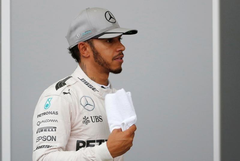 Nico Rosberg leads Ricciardo in Friday afternoon practice