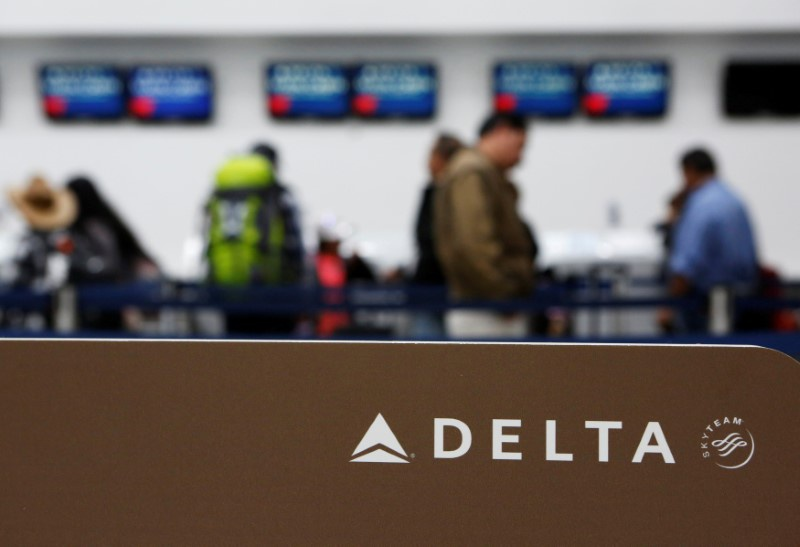 Delta Agrees to 30% Raise for Pilots After Nine-Month Standoff