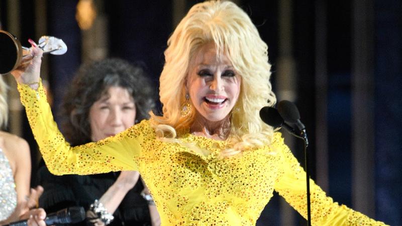 Dolly Parton's 'touching' CMA Awards tribute
