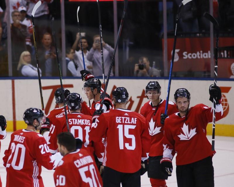 Lundqvist brilliant, Sweden advances to World Cup semifinals
