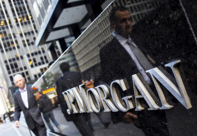JPMorgan's 3Q earnings fall 8 percent, but beats estimates