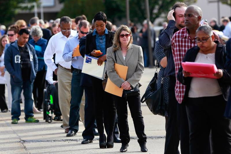 US claims for jobless aid drop to lowest since mid-April
