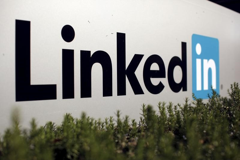Russian Federation moves to block LinkedIn network