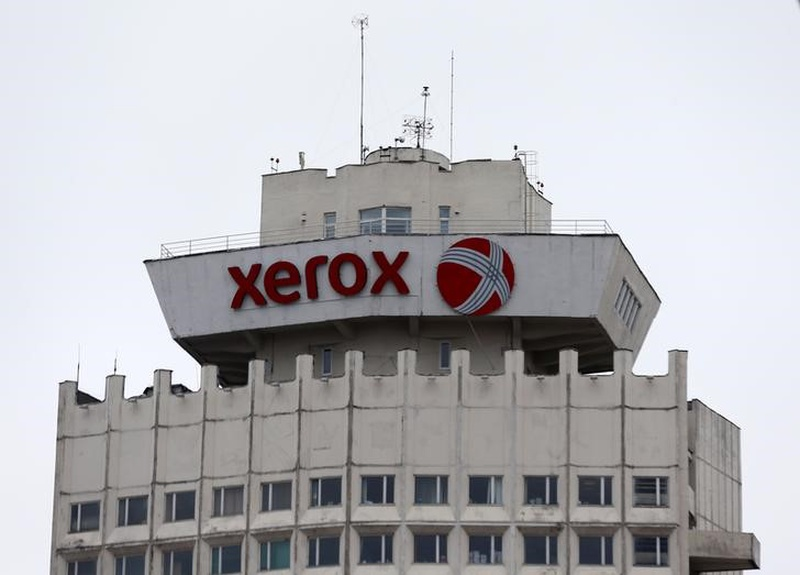Xerox sued by large investor over plan to split company