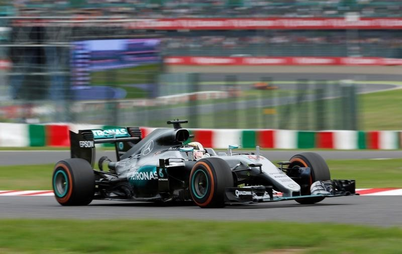Hamilton pulls out of Pirelli test with sore foot