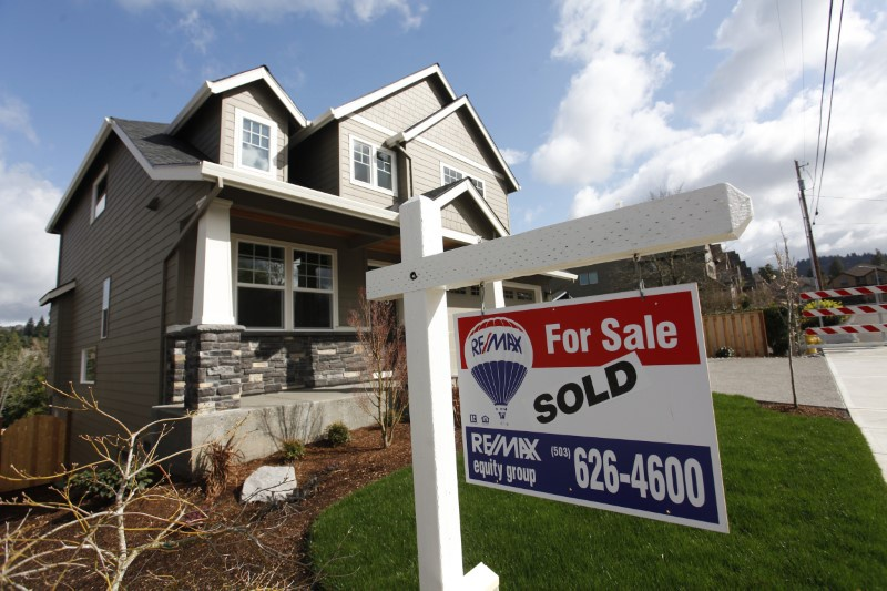 US home sales reach strongest pace in nearly a decade