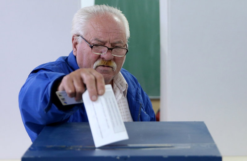 Bosnian Serbs overwhelmingly vote to keep disputed holiday