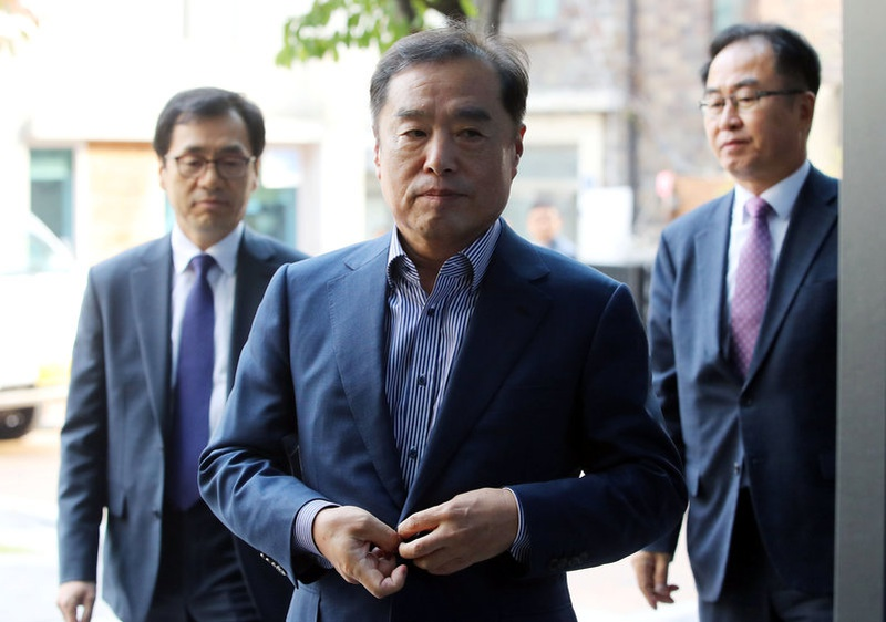 Korean president says to accept investigation over scandal if necessary