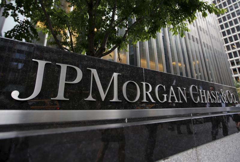 European Union fines 3 banks $520 million over market rigging