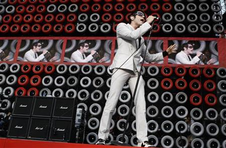 Davey Havok, lead singer of the band AFI, performs with his band during the New York Live Earth concert at Giants Stadium in East Rutherford, New Jersey July 7, 2007. REUTERS/Lucas Jackson