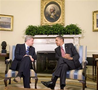 U.S. President Barack Obama and Canadian Prime Minister Stephen Harper meet in the Oval Office of the White House in Washington, September 16, 2009. REUTERS/Larry Downing