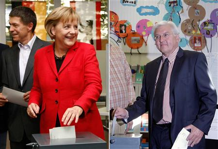 A combination of pictures shows Angela Merkel, German Chancellor and leader of the conservative Christian Democratic Union party (CDU) and Foreign Minister Frank-Walter Steinmeier candidate for chancellor of the Social Democratic Party SPD as they vote in the general election in Berlin September 27, 2009. REUTERS/Staff