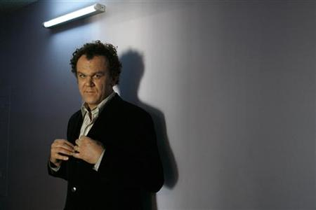 "Actor John C. Reilly, star of the film ""Walk Hard: The Dewey Cox Story"", poses for a portrait in Los Angeles December 1, 2007. REUTERS/Mario Anzuoni"