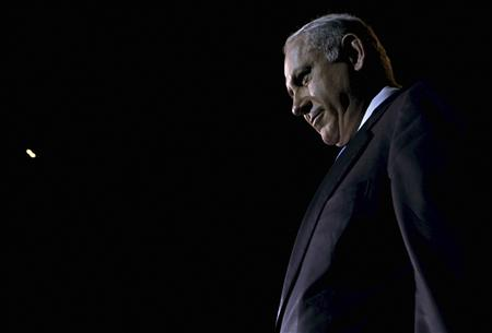 Israel's Prime Minister Benjamin Netanyahu leaves the stage after speaking during the Israeli Presidential Conference in Jerusalem October 20, 2009.REUTERS/Gali Tibbon/Pool