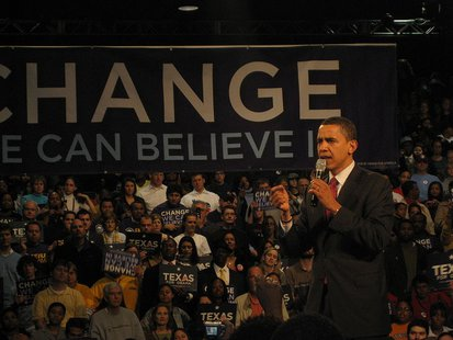 Barack Obama speaking in Houston, Texas on the eve of the TX primaries. Photo by Tim Bekaert. By Tbc (Own work) [Public domain], via Wikimedia Commons