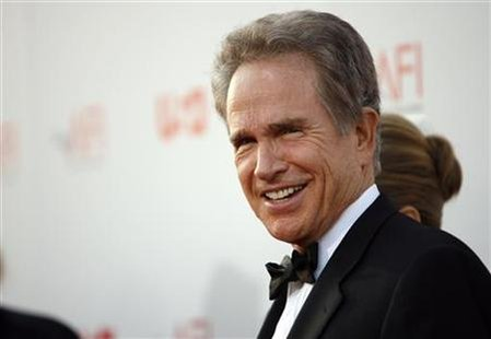 Actor Warren Beatty arrives at the taping of the American Film Institute's 36th Life Achievement Award gala honoring Beatty at the Kodak theatre in Hollywood, California June 12, 2008. REUTERS/Mario Anzuoni