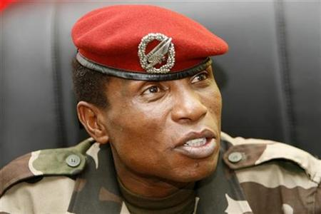 Captain Moussa Dadis Camara, chief of the ruling junta, speaks to journalists in his office at the military camp Alpha Yaya in Conakry October 1, 2009. REUTERS/Luc Gnago