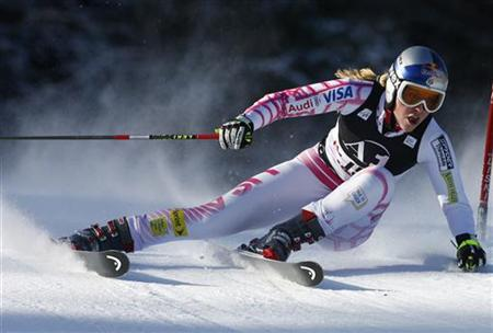 Lindsey Vonn of the U.S. clears a gate during the first run of the women's giant slalom world cup race in Lienz December 28, 2009. REUTERS/Dominic Ebenbichler