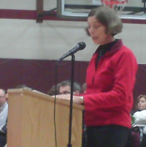 Wausau teachers union president Mary Jarvis addresses school board members December 14, 2009, during their regular meeting.  The teachers union has no confidence in Superintendent Steve Murley's leadership and has called for him to be fired.