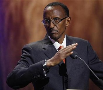 Rwanda's President Paul Kagame accepts one of the Clinton Global Citizen Awards at the Clinton Global Initiative in New York September 24, 2009. REUTERS/Chip East