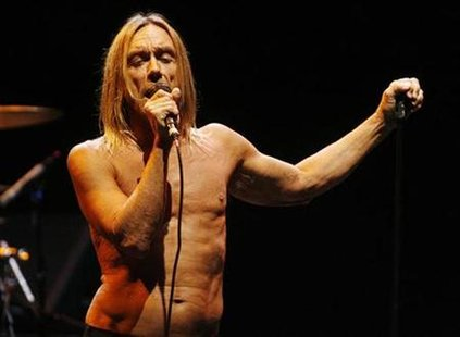 Member of the rock band of the Stooges Iggy Pop performs at the Musicares MAP Fund benefit concert in Los Angeles May 8, 2009. Musicares assists the music community with addiction recovery. REUTERS/Fred Prouser