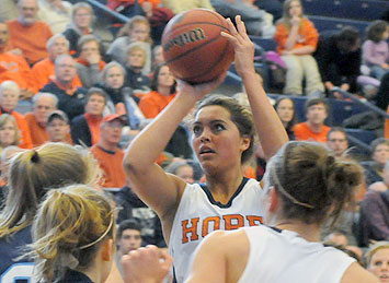 Carrie Snikkers led Hope's Flying Dutch to Victory