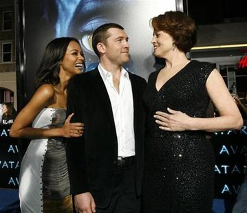 "Cast members Zoe Saldana (L), Sam Worthington (C) and Sigourney Weaver attend the premiere of ""Avatar"" at the Mann's Grauman Chinese theatre in Hollywood, California December 16, 2009 file photo. REUTERS/Mario Anzuoni"