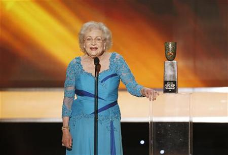 Betty White speaks after receiving a lifetime achievement award at the 16th annual Screen Actors Guild Awards in Los Angeles January 23, 2010. REUTERS/Mike Blake (FILM-SAGAWARDS/SHOW)