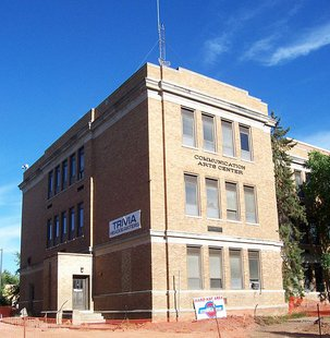 The headquarters for the WWSP radio trivia contest at the Communication Arts building at the en:University of Wisconsin-Stevens Point in Stevens Point, Wisconsin, USA. By self (Own work) [CC-BY-SA-2.5 (http://creativecommons.org/licenses/by-sa/2.5)], via Wikimedia Commons