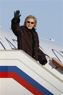 Secretary of State Hillary Clinton arrives at Vnukovo airport near Moscow March 18, 2010. REUTERS/Alexander Natruskin