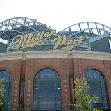 Miller Park , Milwaukee (WT-shared) Jtesla16 at wts wikivoyage [CC-BY-SA-1.0 (http://creativecommons.org/licenses/by-sa/1.0)], via Wikimedia Commons