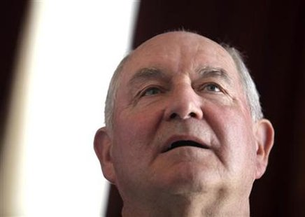 Georgia Governor Sonny Perdue listens to reporter's questions during a news conference in Havana June 8, 2010. Perdue was in Cuba leading a trade delegation from Georgia seeking business on the communist-led island. REUTERS/Enrique De La Osa