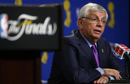 National Basketball Association Commissioner David Stern speaks at a press conference before Game 1 of the NBA Finals basketball game between the Los Angeles Lakers and the Orlando Magic in Los Angeles June 4, 2009. REUTERS/Mike Blake