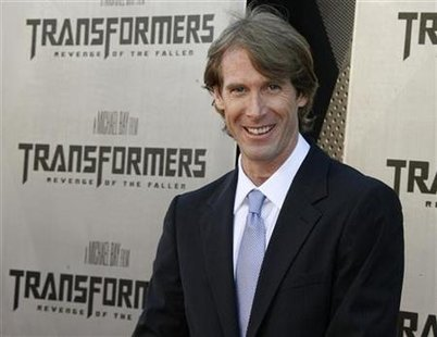 """Director Michael Bay poses at the Los Angeles premiere of his film """"Transformers: Revenge of the Fallen"""" in this June 22, 2009 file photo. REUTERS/Fred Prouser"""