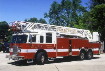 A photo of a Green Bay Fire Department ladder truck. (Photo courtesy of GBFD, http://www.ci.green-bay.wi.us/Fire)