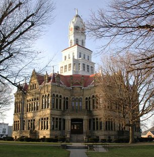 The Edgar County Courthouse in Paris, Illinois, USA. Photo by Robert C. Pusateri, 7 January 2006.