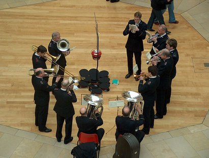 Salvation Army brass band was playing in Debenhams Bullring in Birmingham in December 2005. By Anneli Salo (Own work (Own photo)) [CC-BY-SA-3.0 (http://creativecommons.org/licenses/by-sa/3.0)], via Wikimedia Commons