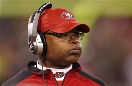 San Francisco 49ers head coach Mike Singletary reacts on the sidelines against the Philadelphia Eagles during their NFL football game in San Francisco, California October 10, 2010. REUTERS/Robert Galbraith