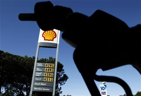 Gasoline prices are shown at a gas station in Del Mar, California March 9, 2011. REUTERS/Mike Blake