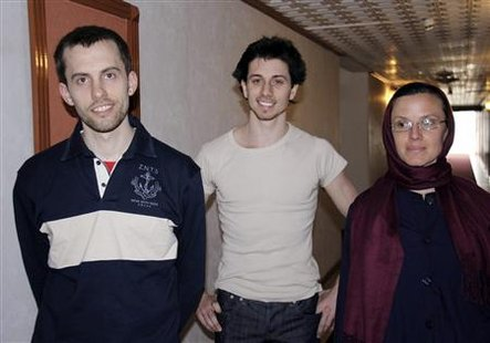 Detained American Sarah Shourd (R), Shane Bauer (L) and Joshua Fattal smile as they wait to meet their mothers at the Esteghlal hotel in Tehran May 21, 2010. REUTERS/PressTv
