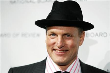 "Actor Woody Harrelson arrives to accept the award for Best Supporting Actor for his work in the film ""The Messenger"" at the National Board of Review Award ceremony in New York January 12, 2010. REUTERS/Lucas Jackson"