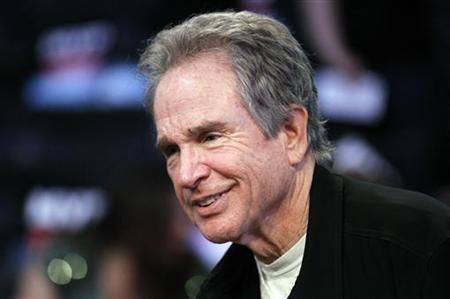 Actor Warren Beatty attends the NBA All-Star basketball game in Los Angeles February 20, 2011. REUTERS/Danny Moloshok