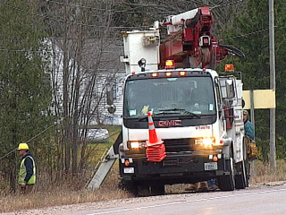 Wisconsin Public Service crews work to repair downed power lines, Oct. 27, 2010. (courtesy of FOX 11).