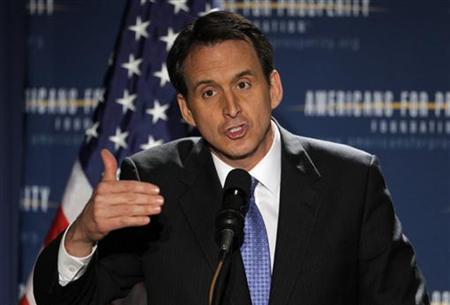 "Former Minnesota Governor and likely Republican Presidential candidate Tim Pawlenty speaks at the Americans for Prosperity Foundation's ""Presidential Summit on Spending and Job Creation"" in Manchester, New Hampshire April 29, 2011. REUTERS/Brian Snyder"