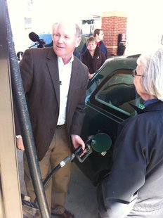 Rep. Reid Ribble made an announced stop at the Kwik Trip in Appleton for talk with commuters about rising gas prices and get their thoughts and feedback. (Photo by Terry Lee, WTAQ News)