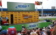 Heluva Good! Sour Cream Dips 400 NASCAR Sprint Cup Series at MIS 25