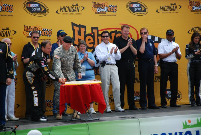 Heluva Good! Sour Cream Dips 400 NASCAR Sprint Cup Series